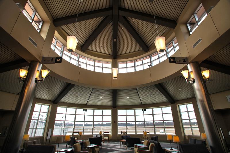 Pitt_Airport_2-ID-29591775-8381-4ea6-d650-2984fdfd2a72