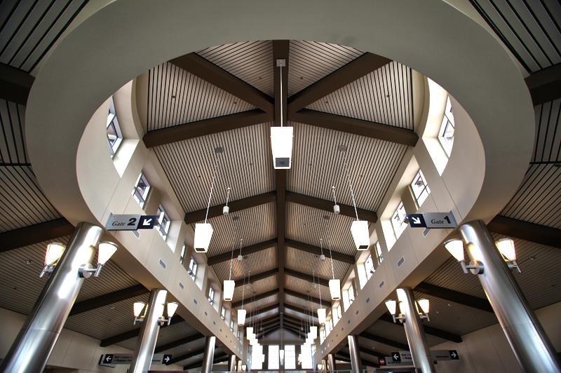Pitt_Airport_5-ID-a099dc66-dfd7-4c2e-872a-987da777d4a2